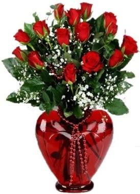 Cam kalp içerisinde 15 kırmızı gül  İzmir Konak çiçekçi telefonları