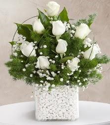 9 beyaz gül vazosu  İzmir Konak 14 şubat sevgililer günü çiçek