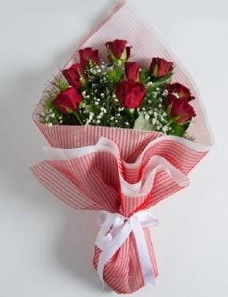 9 adet kırmızı gülden buket  İzmir Konak 14 şubat sevgililer günü çiçek