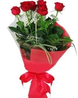 5 adet kırmızı gülden buket  İzmir Konak çiçekçi mağazası