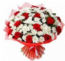 11 adet kırmızı gül ve 1 demet krizantem  İzmir Konak hediye çiçek yolla