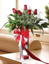 Camda 5 kırmızı gül tanzimi  İzmir Konak uluslararası çiçek gönderme