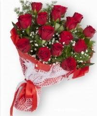 11 adet kırmızı gül buketi  İzmir Konak çiçek gönderme sitemiz güvenlidir