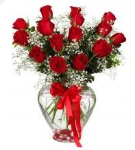 11 adet kırmızı gül cam kalpte  İzmir Konak çiçek yolla , çiçek gönder , çiçekçi