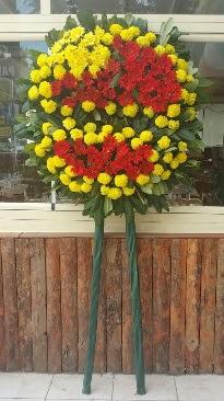 Cenaze çelengi çiçek modeli  İzmir Konak hediye çiçek yolla