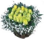 İzmir Konak kaliteli taze ve ucuz çiçekler  Sari harika bir gül sepeti