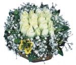 İzmir Konak güvenli kaliteli hızlı çiçek  Beyaz harika bir gül sepeti