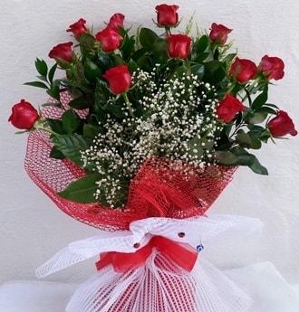 Kız isteme çiçeği buketi 13 adet kırmızı gül  İzmir Konak çiçek siparişi vermek