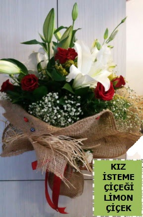 3 dal kazablanka 13 adet kırmızı gül  İzmir Konak online çiçek gönderme sipariş