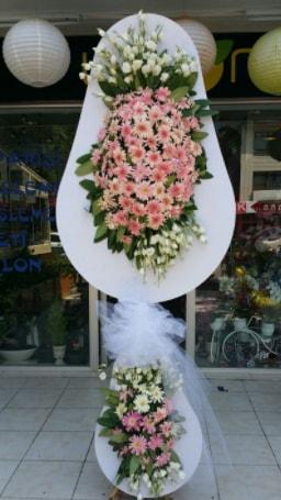 Çift katlı özel şahane sepet çiçeği  İzmir Konak uluslararası çiçek gönderme