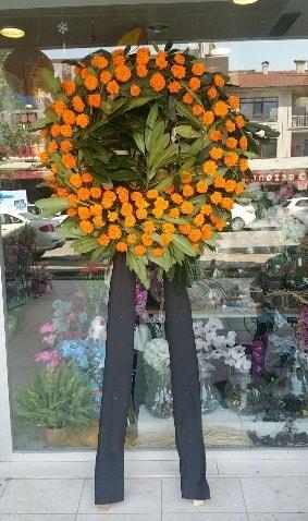 Cenaze çiçeği cenaze çelengi çiçek modeli  İzmir Konak cicekciler , cicek siparisi