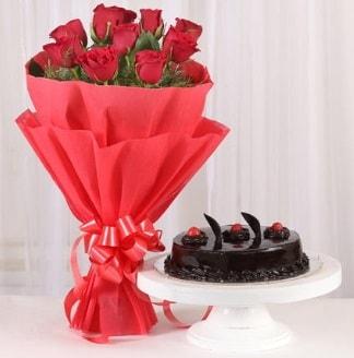 10 Adet kırmızı gül ve 4 kişilik yaş pasta  İzmir Konak kaliteli taze ve ucuz çiçekler