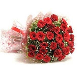27 Adet kırmızı gül buketi  İzmir Konak hediye sevgilime hediye çiçek