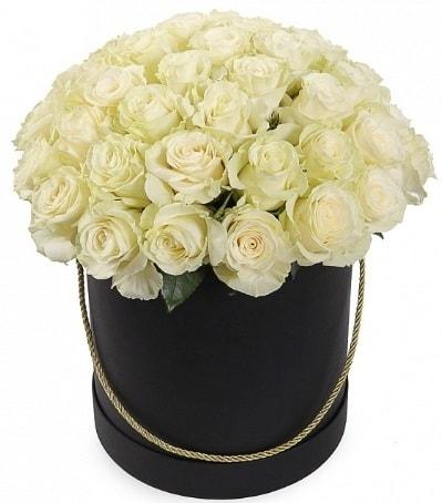 33 Adet beyaz gül özel kutu içerisinde  İzmir Konak kaliteli taze ve ucuz çiçekler