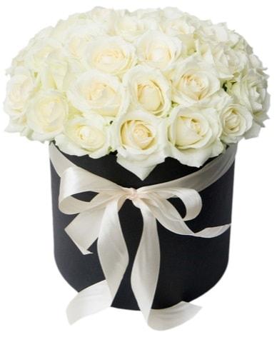 41 adet özel kutuda beyaz gül  İzmir Konak 14 şubat sevgililer günü çiçek  süper görüntü