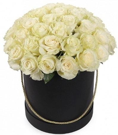 33 adet beyaz gül özel kutuda isteme çiçeği  İzmir Konak kaliteli taze ve ucuz çiçekler